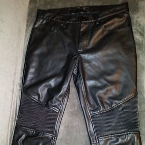 **ADORABLE!!** Faux leather bad a@! Biker pants!